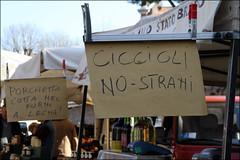 La grammatica (Maulamb) Tags: cartelli mollette ambulante