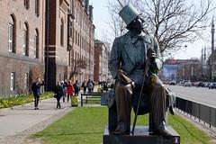Hans Christian Andersen (Håkan Dahlström) Tags: 2017 hans andersen christian copenhagen danmark denmark hc köpenhamn photography statue københavn xt1 f71 1400sek xf1855mmf284rlmois cropped 52825032017131330 københavnk dk