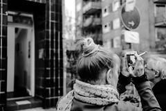 TRYING TO LEAVE SOMETHING BEHIND (hobokollektiv   ʌıʇʞǝlloʞoqoɥ) Tags: 2017 35mm florianfritsch hamburg leica leicam9 sanktpauli zustandszone bw blackandwhite folks hobokollektiv monochrome monographer newcontemporaryphotography schwarzweis schwarzweiss street wwwhobokollektivnet