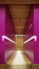 museum terra mineralia treppe 16-03-13 7174 (esuarknitram) Tags: affarchitekten farbe architektur umbau sanierung umnutzung ausstellung holz handlauf freiberg