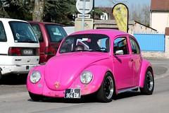 Volkswagen Coccinelle 1200 Cal Look (seb !!!) Tags: rose pink rosa 2017 auto automobile automovel automovil automobil coupé coach canon 1100d cars anciennes ancienne old oldtimers populaire seb france voiture wagen car coffee breuilpont allemande allemand deutschland german germany deutsch photo picture foto image bild imagen imagem classique classic klassic bug käfer beetle