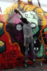 Street Art in Paris - 8 (Lô65) Tags: streetart artderue graff grafitti lg lgg3 monster monstre streetartist