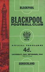 Blackpool vs Sunderland - 1964 - Cover Page (The Sky Strikers) Tags: blackpool football club sunderland league division one bloomfield road official programme 4d