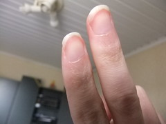DSCF6982 (ongle86) Tags: ongles nails rongés biting pouce thumb sucé sucking doigts fingers hand mains fetishisme