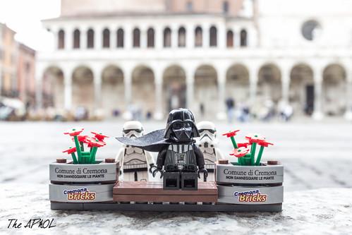 Vader visits Cremona