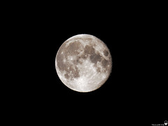 Ze mOOn (Torjan Haaland) Tags: 100400mm panasonic leica mzuiko zd zuiko digital olympus omd em1 moon månen lunar light planet sky night himmer himmel natt