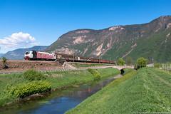 Zebra in piega (Damiano Piovanelli) Tags: eu43 eu43005 treno treni zug ferrovie ferrovia rail railtracioncompany zebra bombardier traxx traxx112e