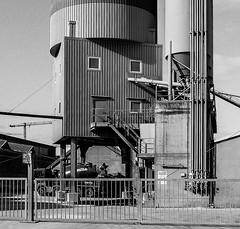 Osthafen (JohannFFM) Tags: osthafen betonwerk lieferbeton intzestrase frankfurt sw