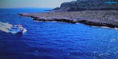 blue sea (archgionni) Tags: mare sea blu blue barca boat onde waves acqua water terra land costa orizzonte horizon natura nature turismo tourism