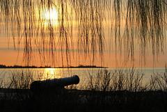 Protecting the beach (jmaxtours) Tags: mariecurtispark cannon artillery 32pounder carroncompanyoffalkirkscotland carroncompany carron park beach sunrise sun dawn sunup lakeontario lake etobicoke etobicokeontario toronto torontoontario 63662carron1803 1803 gun ordnance muzzleloader pretty