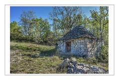 Tout de pierre (Charlottess) Tags: nikon5300 avril alpesdehauteprovence paca provence provencealpescôtedazur borie pierre