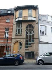Casa Art Nouveau (Erasmusenflandes) Tags: erasmusbruselas palacio de justicia poelaert chapelle rue haute lepée colline capucins marolles contrastes bruselas bruxelles