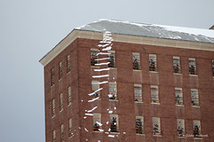 Snowfall at 93 (Gilda Axelrod Photography) Tags: winter snow newyork longisland snowfall kingspark avalanche fallingsnow kingsparkpsychiatriccenter building93 nissequogueriverstatepark gildaaxelrod