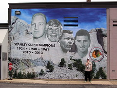 Chicago Blackhawks Mount Rushmore Mural (Vinny Gragg) Tags: signs hockey sign statue nhl illinois mural murals statues blackhawks gian