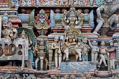 Pondicherry (India). Templo Kamatchi Ammam. Gopuram. Detalle (santi abella) Tags: india pondicherry artehindú templokamatchiammam