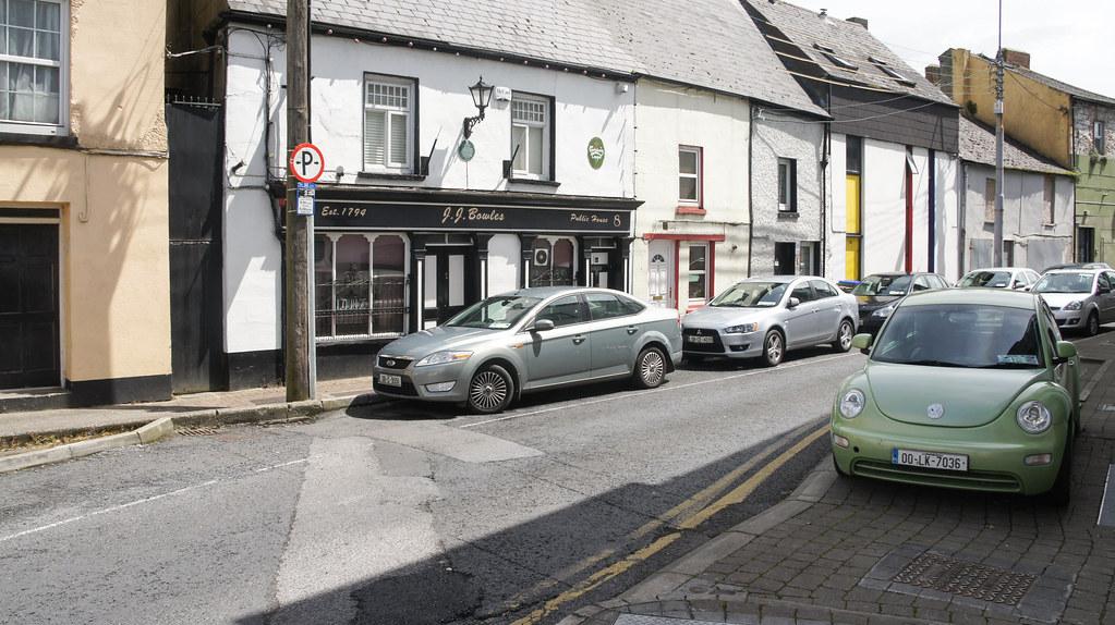JJ Bowles Pub - Old Thomondgate In Limerick