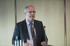 Gerd-Axel Ahrens moderating