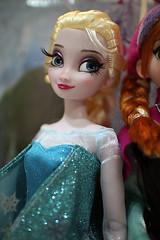 s140620-06.jpg (s_jiaban) Tags: anna classic frozen doll disney classical elsa friendlyflickr disneystroe