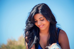 IMG_0325 (jesus gma.es) Tags: beach beauty glasses indian young sensual jeans brunette hindi