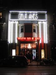 PARIS 2013 pic 942 (streamer020nl) Tags: paris france night evening abend frankreich theater neon boulevard theatre nacht frankrijk avond soir parijs 031013 clichy 2013 3oct2013 deuxanes 2anes