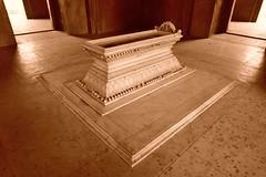Safdarjung's Tomb - the marble sarcophagus, New Delhi - The Cenotaph (Unseen Horizons) Tags: safdarjungstomb mughalarchitecture historicdelhi mughaltombs historicsitesindelhi