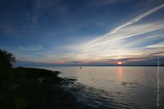 Remplie d'espace (Danny Lamontagne) Tags: canon landscape stlawrence 5d stlaurent paysage phare fleuve nicolet