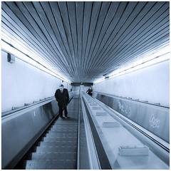Metro en Roma (Paco Esteve Herrero) Tags: roma italia metro escalera escaleramecnica 2013 goldenawardlostcontperdidos franciscoesteveherrero
