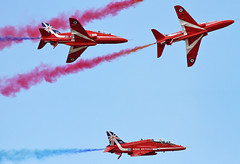 Red Arrows (Roger H3) Tags: aviation flight aeroplane lincolnshire cleethorpes
