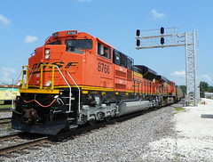 Looking Sharp (Epic Larry) Tags: coal bnsf galesburg