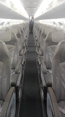 Flying bach home in white (L C L) Tags: blanco white loretocantero lcl volar flying azafata avión plane vacío empty asientos seats eslovenia ljubljana kranj