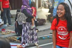 Kalian Curang Ye (Everyone Sinks Starco (using album)) Tags: surabaya eastjava jawatimur kids anakanak permainantradisional traditionalgame tertawa laughing
