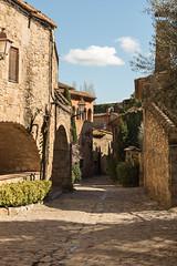 Charming Town (Bai R.) Tags: charming town peratallada girona sun pueblo encanto