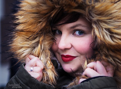 Stephanie Portrait (JaroslawG Photography) Tags: jaroslawgphotography portrait portraitlovers winter cold beauty girl women outdoor bremen marktplatz hobbyphotographer olympus 45mm outoffocus photoshop lightroom love live redlips