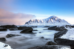 You are young and life is long and there is time to kill today (OR_U) Tags: 2017 oru norway lofoten ramberg flakstad rocks pinkfloyd time le longexposure sea ocean mountain sunset motion movement landscape seascape beach pebbles