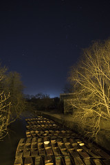 Handheld long exposure (breakbeat) Tags: ox5891 nightphotography longexposure oxford magdalenbridge flickrmeet orionsbelt stargazing punts boats night dusk nauticaltwilight trees lightpollution tungsten