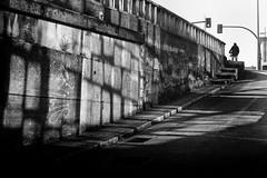 (Leon F. Cabeiro) Tags: leica m2 voigtlander nokton 50 15 vm santiago compostela galiza galicia street kodal tmax 400 stand hc110 kodak