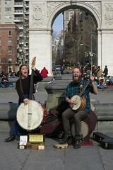 (paul.comstock) Tags: manhattan nyc newyork february 2017 feb2017 urban digital digitalphotography digitalphotograph canons120 canon s120 8feb2017 wednesday washsqpark washingtonsquarepark arch music musicians