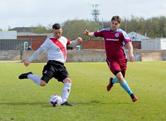 Phil Barclay poised to send a delivery into the box (Stevie Doogan) Tags: clydebank cumbernauld utd mcbookiecom west scotland league superleague first division holm park saturday 15th april 2017 bankies scottish juniors