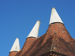 Oast (only lines) Tags: oast oasthouse vents roof greatdixter