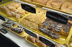 Donuts (jpellgen) Tags: fargo moorhead nd northdakota travel roadtrip 2017 spring april nikon sigma 1770mm d7000 usa america midwest food foodporn restaurant sandys donuts donut doughnuts doughnut bakery