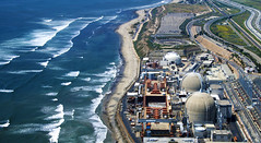 Power Plant. (lgnguyen) Tags: colour color aboveview aerial horizontal nobody birdseyeview sanonofrebluff california sanonofrestatebeach powerplant scenic road usa westcoast pacific coastal coast shore water gulfofsantacatalina travel highway interstate sandiegofreeway interstate5 resource energy power industrial industry nuclear nuclearpowerplant