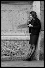 Pause cigarette - Smoke break (P. Eric) Tags: louvre paris personnages
