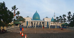 Masjid Agung Jawa Timur (Everyone Sinks Starco (using album)) Tags: surabaya eastjava jawatimur arsitektur architecture building gedung masjid mosque