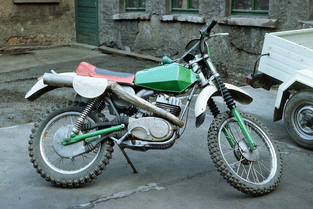 Vive la moto verte ! 13743352353_f37babb8ba_b