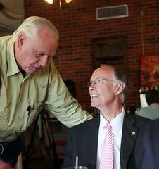 05-02-2014 Governor Bentley at Po Folks in Enterprise