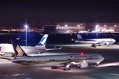 ボーイング777−300 Boeing 777-300 (ELCAN KE-7A) Tags: japan airplane tokyo singapore pentax terminal boring international airline 日本 東京 300 airlines sq 777 haneda 2014 飛行機 シンガポール 羽田 空港 航空 航空機 ペンタックス 国際 ターミナル 国際線 airportl ボーイング k5ⅱs