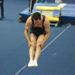 Bart met dubbel gehoekt (Arnold Metselaar) Tags: gymnastics cropped minitramp fantasticgymnastics springtoestel groepsspringen fantasticgymnastics2013 bartnieuwenhuis