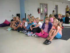 "zomerspelen 2013 hiphop clinic • <a style=""font-size:0.8em;"" href=""http://www.flickr.com/photos/125345099@N08/14406081594/"" target=""_blank"">View on Flickr</a>"