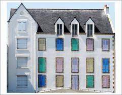 Hôtel de l'Océan, Quiberon (BrigitteChanson) Tags: brittany bretagne breizh morbihan façade fenêtres quiberon colorfullaward