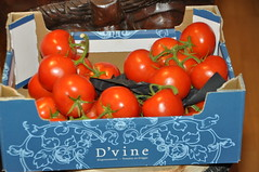 DSC_6467 (photographer695) Tags: from holland price corporate for is box five tomatoes vine supermarket delicious only coop robbery per 32 turkish charging ripe reduced the dvine 199 180